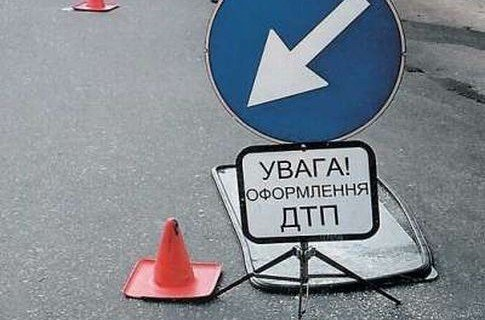 В Ужгороді, мікроавтобус збив на смерть людину на тротуарі